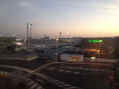秋田空港に降りれず_e0054299_6163118.jpg