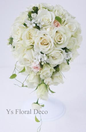 白とピンクのブーケ&贈呈リース ペニンシュラ東京さんへ_b0113510_19522334.jpg