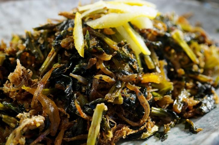 自家製保存食で【大根葉とジャコの甘辛佃煮】地味ですが日本の味ですね~ご飯が美味しいね^^_b0033423_1834191.jpg