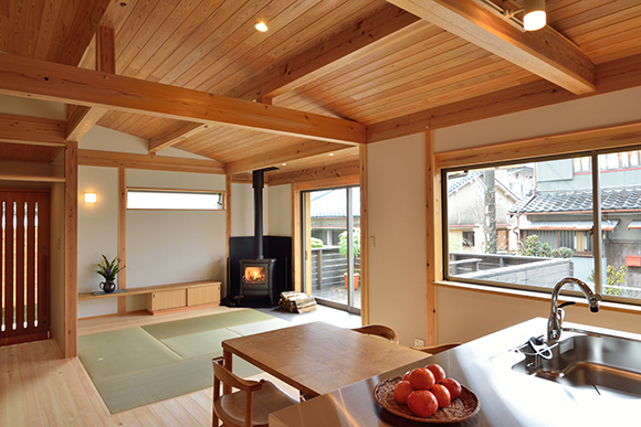 建物完成見学会「片流れ屋根の小さな家」_e0164563_10252297.jpg