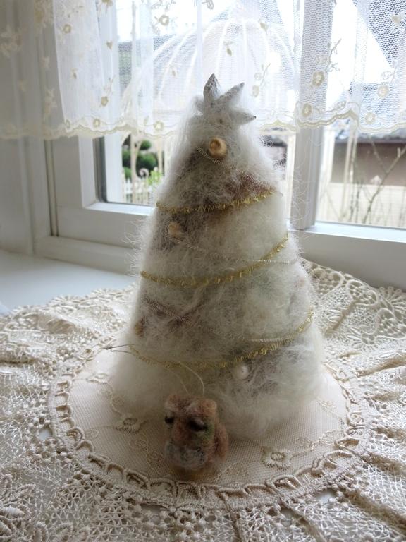 羊毛フェルトのツリー&フクロウ_f0182167_14155038.jpg