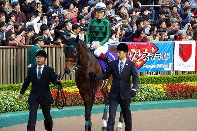 超豪華メンバーのジャパンCは、菊花賞馬エピファネイアが衝撃の圧勝で復活V_b0015386_019273.jpg