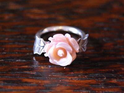 貝のお花のリング_f0155891_11474640.jpg