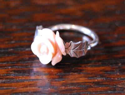 貝のお花のリング_f0155891_1148284.jpg
