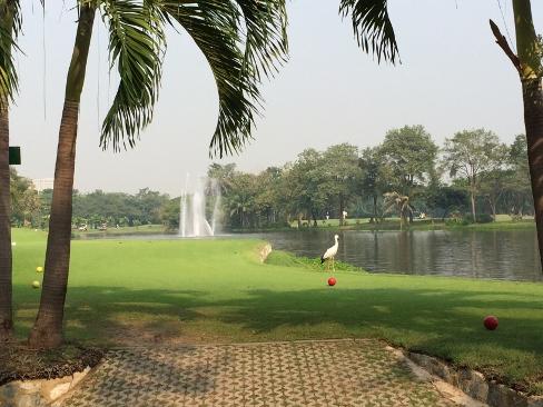 メンバーはタイ人のみの美しいゴルフ場_b0100062_1524141.jpg