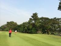 メンバーはタイ人のみの美しいゴルフ場_b0100062_1526690.jpg