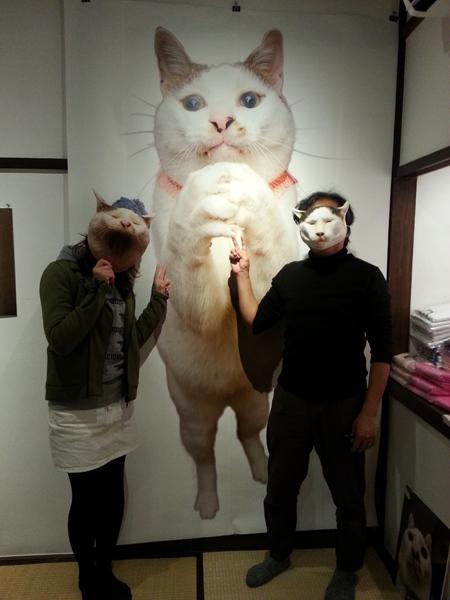 猫いっぱいの癒しのイベント!kachimoさんの「うちの猫ら」カレンダーヴァイキング展へ!_f0357923_21333426.jpg