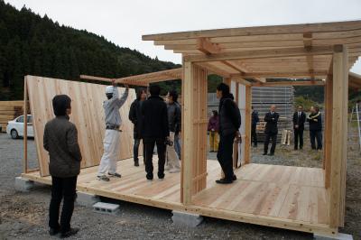 飫肥杉でつくる小屋のような屋台のような 『koyatten』_f0138874_14444870.jpg
