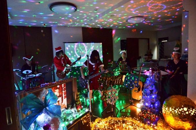 11月29日、ちょっと早いクリスマスコンサート@少年宅♪_e0188087_20435797.jpg