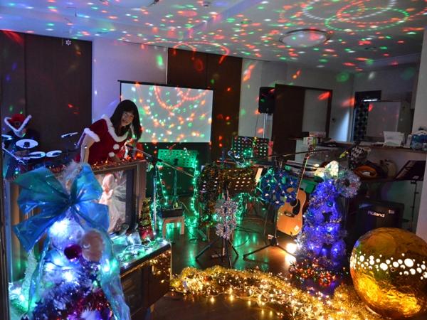 11月29日、ちょっと早いクリスマスコンサート@少年宅♪_e0188087_20521436.jpg