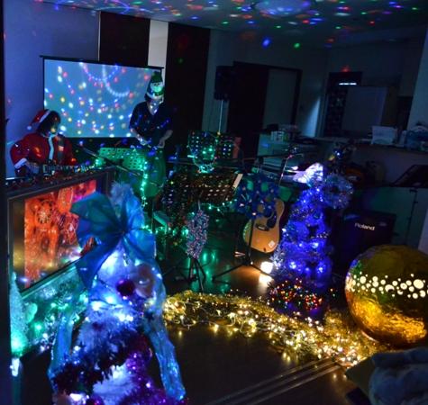 11月29日、ちょっと早いクリスマスコンサート@少年宅♪_e0188087_20542618.jpg