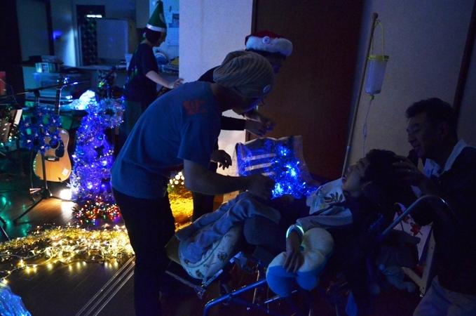 11月29日、ちょっと早いクリスマスコンサート@少年宅♪_e0188087_20543395.jpg
