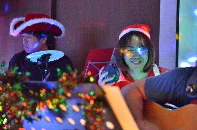 11月29日、ちょっと早いクリスマスコンサート@少年宅♪_e0188087_20574137.jpg