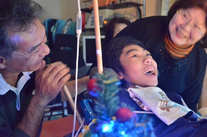 11月29日、ちょっと早いクリスマスコンサート@少年宅♪_e0188087_2114050.jpg