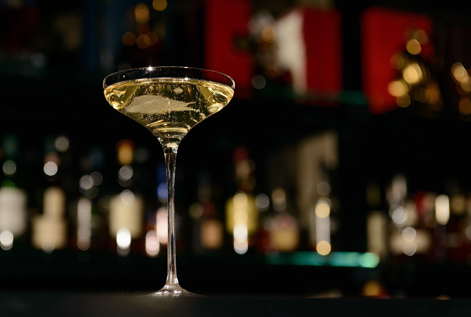 007とMI6とイアン・フレミングと。カトラリーでグラスを叩くアレ。_f0337316_15110511.jpg