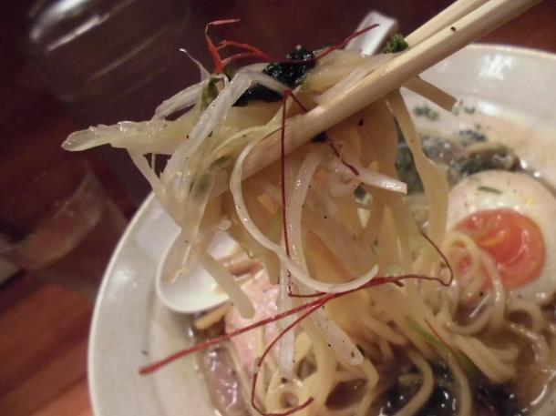 らーめん麺元素(めんげんそ) 天神橋5丁目_c0118393_156283.jpg