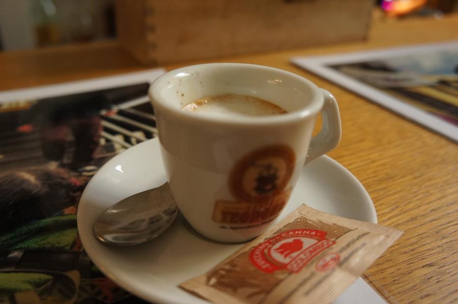 コーヒーを飲みながらフィレンツェをグルグル_f0106597_1865897.jpg