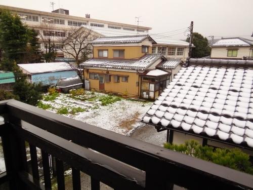 金沢の初冠雪 2014.12.03_c0213599_00272092.jpg