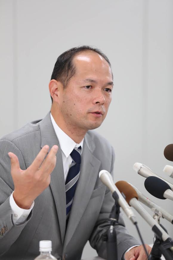 知事選出馬会見(動画)_d0047811_23214397.jpg