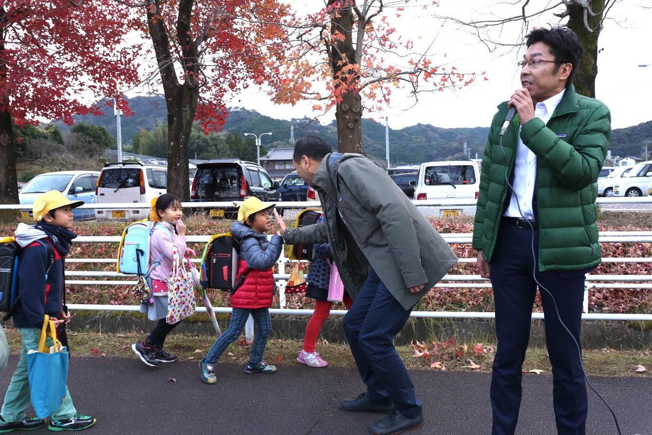 小松政さんが動き始めました_d0047811_2334768.jpg