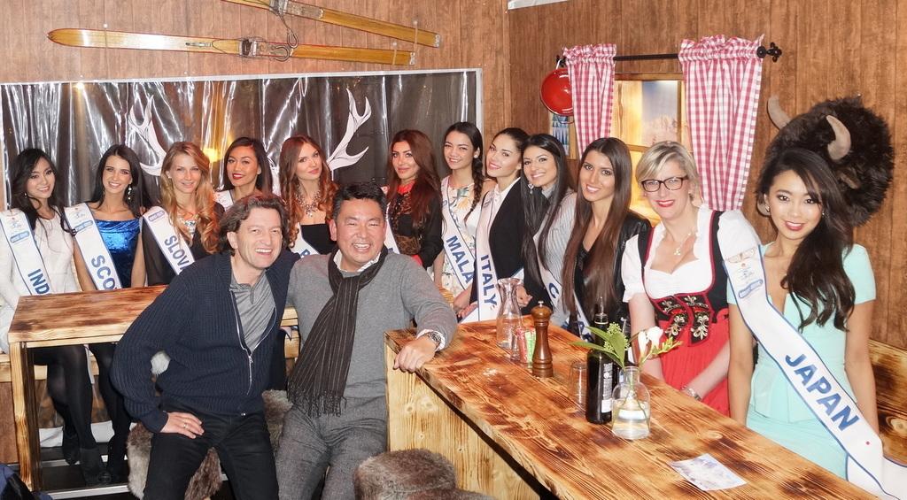 Miss Intercontinental各国代表がアンペルマンレストランへ!_c0180686_03220529.jpg