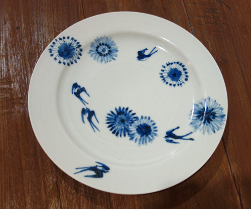 今日のうつわ〜良縁を祈る青い鳥が渡る大皿_a0017350_12560350.jpg
