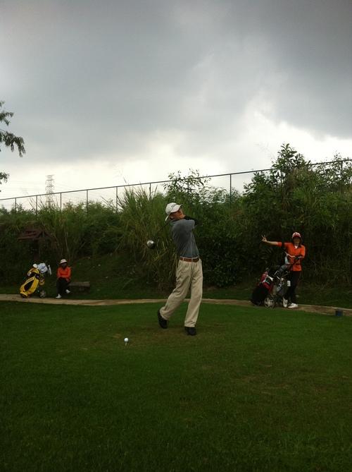 メンバーはタイ人のみの美しいゴルフ場_b0100062_11471988.jpg