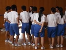 柏崎市立鏡が沖中学校において本学からは2つのワークショップを行いました。_c0167632_17461454.jpg