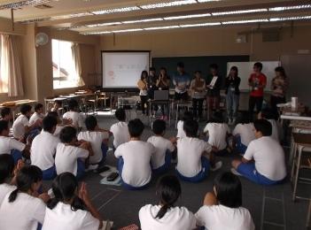 柏崎市立鏡が沖中学校において本学からは2つのワークショップを行いました。_c0167632_17554683.jpg