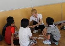 新発田市立猿橋小学校においてワークショップ「声なき弱者~難民って何人?~」を行いました。_c0167632_18351928.jpg