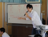 新発田市立猿橋小学校においてワークショップ「声なき弱者~難民って何人?~」を行いました。_c0167632_18354144.jpg
