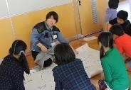 新発田市立猿橋小学校においてワークショップ「声なき弱者~難民って何人?~」を行いました。_c0167632_1837385.jpg