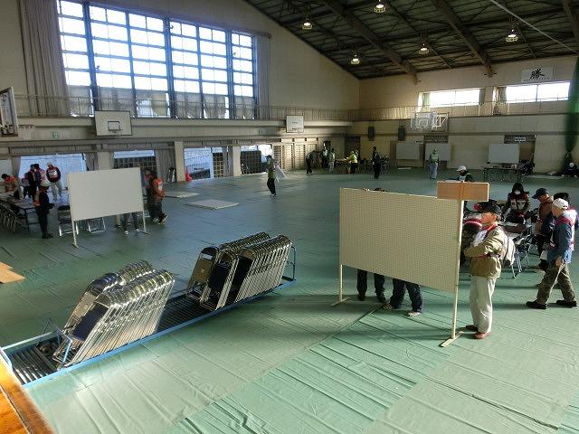 成果以上に課題が多かった 約450名が参加しての第2回吉原高校避難所開設・運営訓練_f0141310_80574.jpg