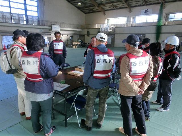 成果以上に課題が多かった 約450名が参加しての第2回吉原高校避難所開設・運営訓練_f0141310_813597.jpg