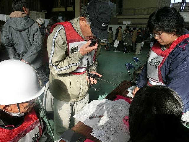 成果以上に課題が多かった 約450名が参加しての第2回吉原高校避難所開設・運営訓練_f0141310_86296.jpg