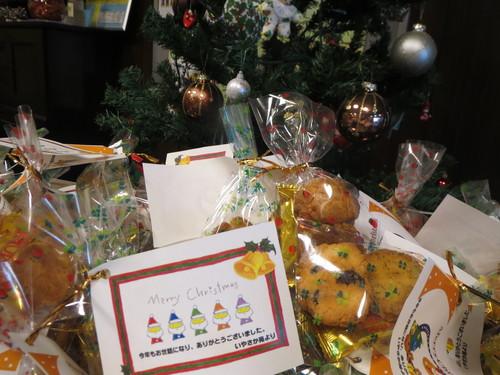 クリスマスクッキー作り_a0158095_16365123.jpg