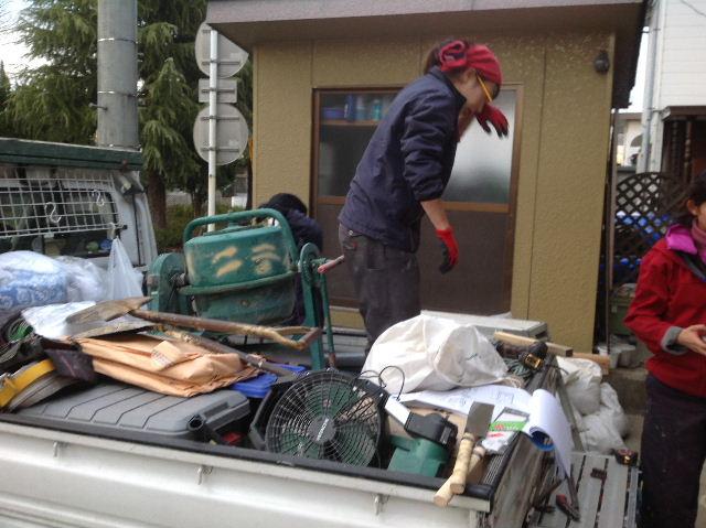 土間コン・サッシ・洗濯機パンなど・・・_f0031037_2027429.jpg
