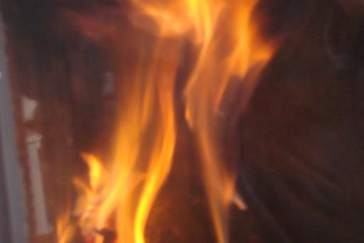 ストーブに火を_e0226943_23104697.jpg