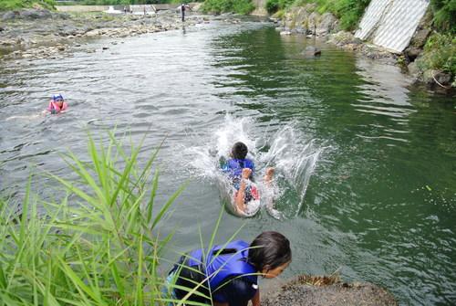 京北の川でおもいっきり川遊び_e0008880_14502633.jpg