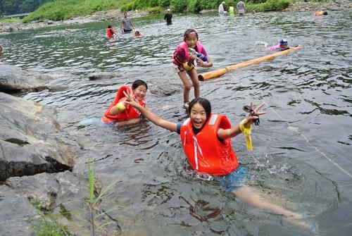 京北の川でおもいっきり川遊び_e0008880_14503933.jpg