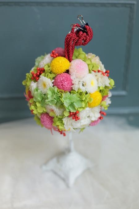 セミキャスケードブーケ ニューオータニ様へ 手作りの和装ボールブーケと一緒に_a0042928_1812619.jpg