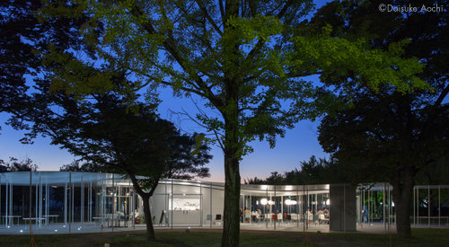A Silent Night / 青地大輔 映像と建物のコラボレーション_a0017350_00012348.jpg