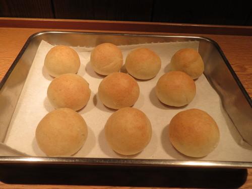 蕎麦粉でつくったパン・・・_a0160153_23203095.jpg