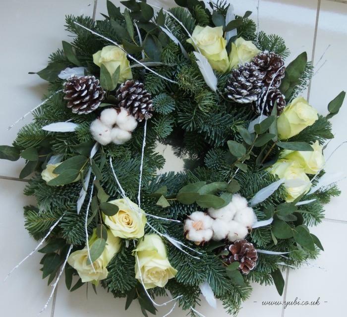 クリスマスリース作りました♪_b0313387_06204321.jpg