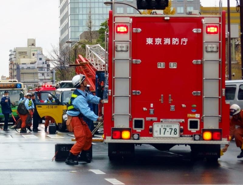 崎陽軒ワゴン車・交通事故発生_b0083801_00401015.jpg