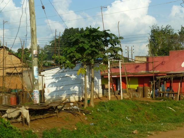 ウガンダ旅行記ー人・ストリート_f0096017_18593149.jpg