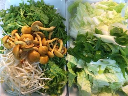 野菜たっぷり鍋・・・12/12_b0247223_2139854.jpg