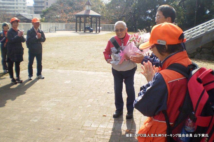 12月例会は納会ウオーク_b0220064_23201070.jpg