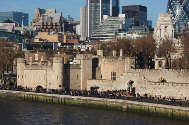 ロンドン塔とタワーブリッジ_d0193569_10514543.jpg