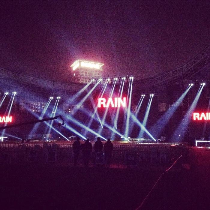 Rain 本日上海にてSmart China 5th Anniversary コンサート_c0047605_15402381.jpg